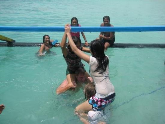 ดาเวา, ฟิลิปปินส์: Water wrestling, l'obbiettivo e' far cadere in acqua l'avversario( e' scritto cosi?).