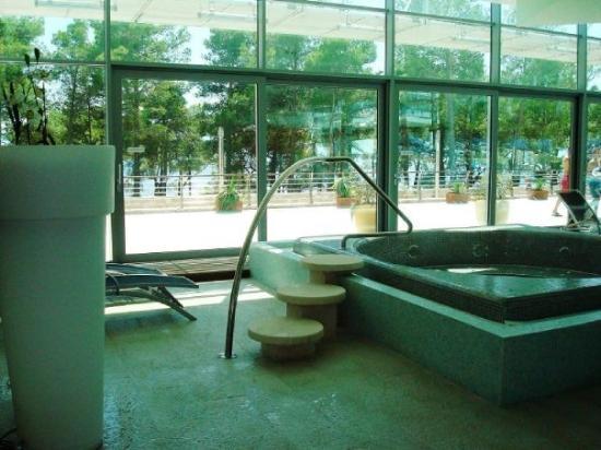 Bol, โครเอเชีย: The indoor spa