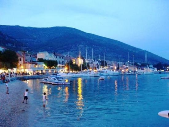 Bol harbour at night