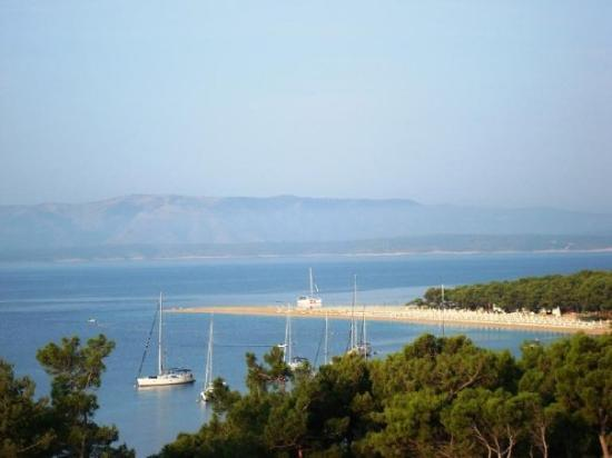 Bol, โครเอเชีย: A view of the Zlatni Rat from our balcony