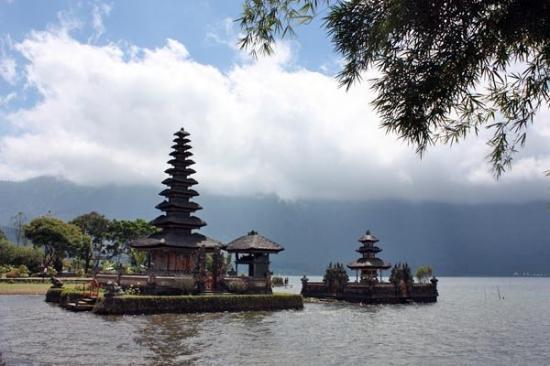 อูบุด, อินโดนีเซีย: インドネシア