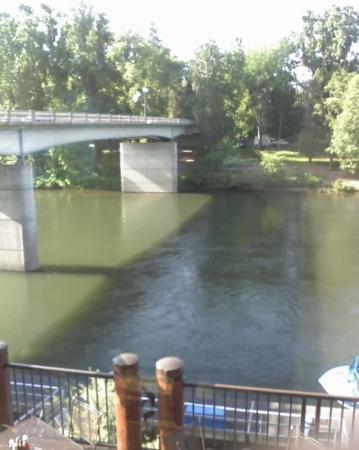แกรนต์แพส, ออริกอน: Breakfast on the river