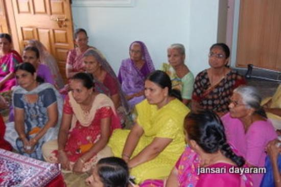 Bhuj, อินเดีย: parayan listen and to learn