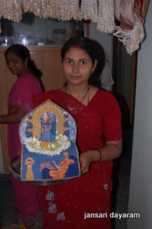 Bhuj, อินเดีย: parayan with god swami narayan