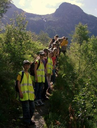 Zinal, สวิตเซอร์แลนด์: groep berg klaar voor de eerste wandeling