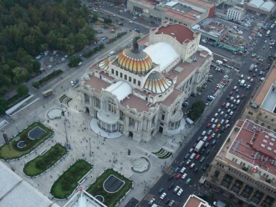 พาลาซิโอเดเลลาอาร์เตส: Palacio de Bellas Artes!!!