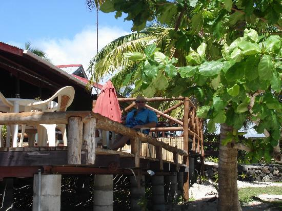 Va-i-Moana Seaside Lodge: meals and drinks with a view