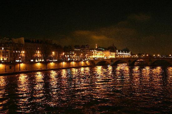 ปารีส, ฝรั่งเศส: The Seine