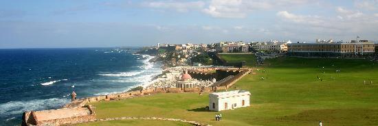 แหล่งประวัติศาสตร์แห่งชาติซานฮวน: Looking at San Juan from El Morro