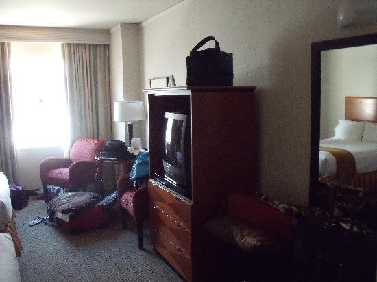 Holiday Inn Express Hotel & Suites San Francisco Fisherman's Wharf: TV, etc at HIE Fisherman's Wharf