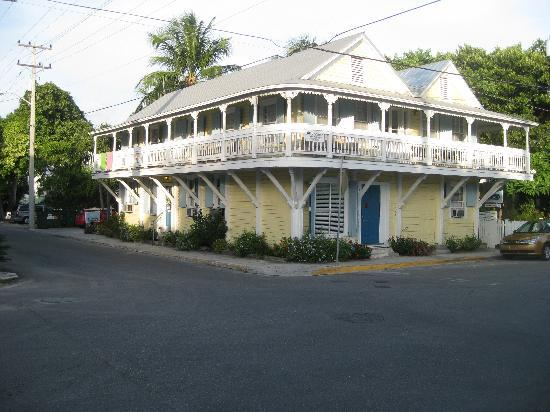 Angelina Guest House: View from the street