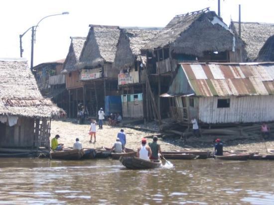 """อีกีโตส, เปรู: barrio di """"belem"""" a Iquitos.....la chiamano la Venezia del sud america.....mah????!!!!!"""