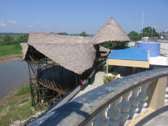 อีกีโตส, เปรู: il lungo fiume di Iquitos