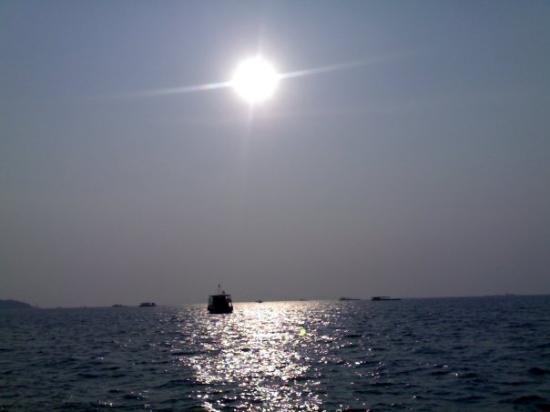 หาดพัทยา: sunset while coming back from pattay