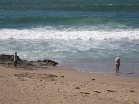 ราบัต, โมร็อกโก: Mujeres en  la playa de Rabat