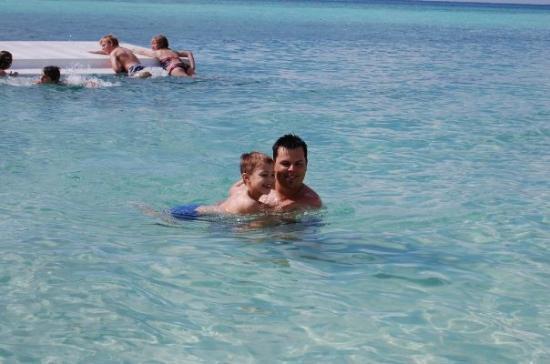 Cozumel (เกาะโกซูเมล), เม็กซิโก: Devon and Daddy