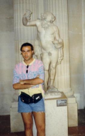 พิพิธภัณฑ์ลูฟวร์: Me (long hairs) & Baccus... Louvre Paris