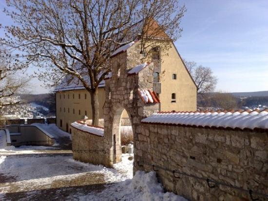 Heidenheim an der Brenz, เยอรมนี: Auch noch Burg Hellenstein, hier das größte deutsche Kutschenmuseum ...