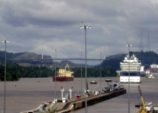 ปานามาซิตี, ปานามา: Puente Centenario, canal de panamá