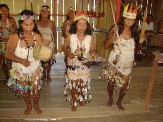 Leticia, โคลอมเบีย: Comunidad Tikuna - mar 22