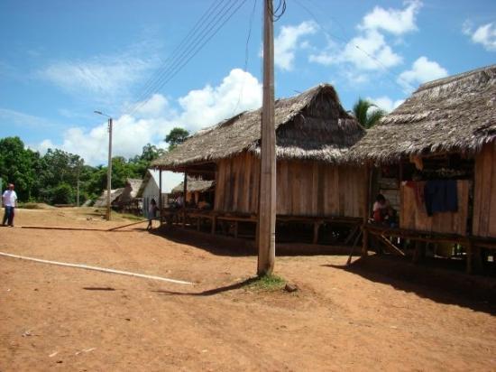 Leticia, โคลอมเบีย: Comunidad Yagua - mar 22