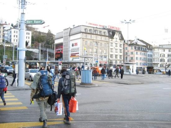 ซูริค, สวิตเซอร์แลนด์: Zurich scenery.. What's up with the backpackers in the city?