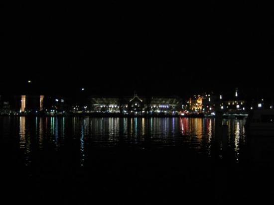 ลูเซิร์น, สวิตเซอร์แลนด์: Lucern at night.