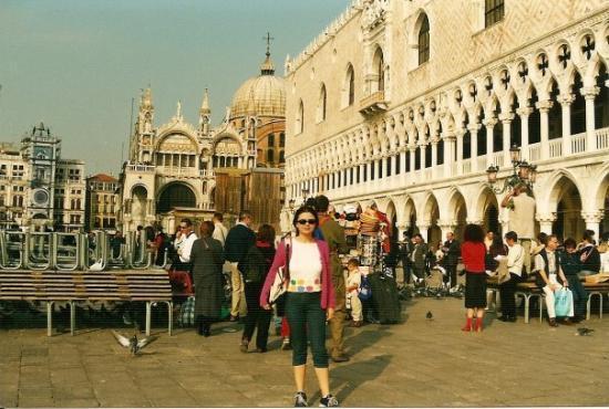 St. Mark's Square: Venice (2001)