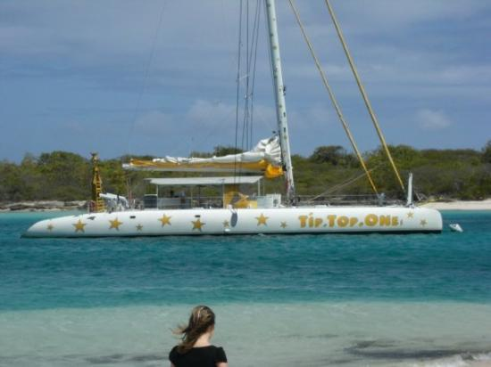 Sainte-Anne, กวาเดอลูป: le catamaran tip . top .one