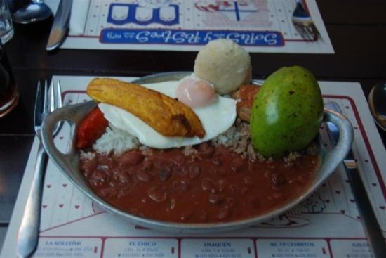 โบโกตา, โคลอมเบีย: Bandeja paisa, plato típico colombiano.
