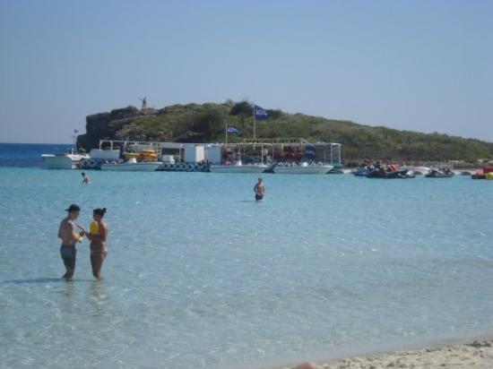 เอเยียนาปา, ไซปรัส: Nissi Beach