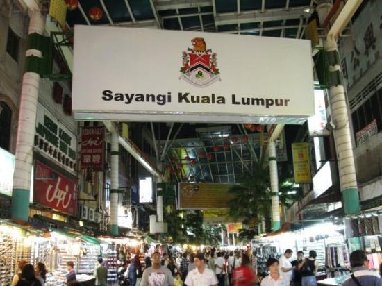 Chinatown - Kuala Lumpur: Huge market at Chinatown in KL