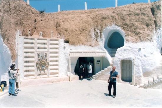 """เกาะเจอร์บา, ตูนิเซีย: Tunisie 2003 Là où ils ont tournés le film """"Star wars"""""""