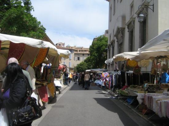 แอ็ซซองโปรวองซ์, ฝรั่งเศส: une autre partie des encans