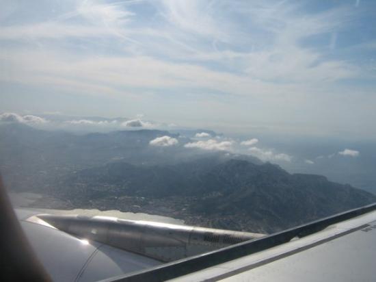 แอ็ซซองโปรวองซ์, ฝรั่งเศส: bientôt arriver à l,aéroport de Marseille en France