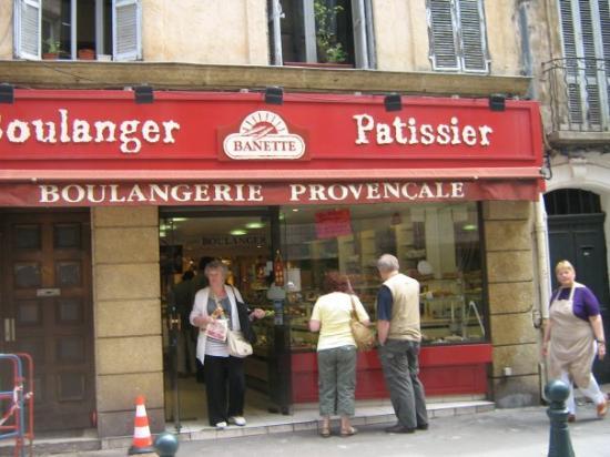 แอ็ซซองโปรวองซ์, ฝรั่งเศส: une pâtisseries boulangerie très bon en passant les pâtisseries de Aix de Provence Hum!!!!!