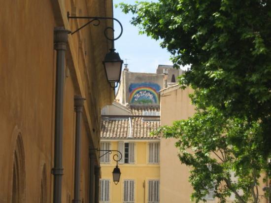 แอ็ซซองโปรวองซ์, ฝรั่งเศส: ce Graffiti m,a beaucoup impressionnée, peux-être parceque mon amour était loin de moi!!! en gr