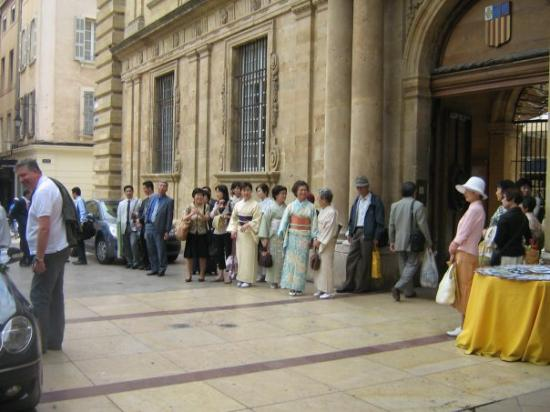 แอ็ซซองโปรวองซ์, ฝรั่งเศส: un mariage japonais