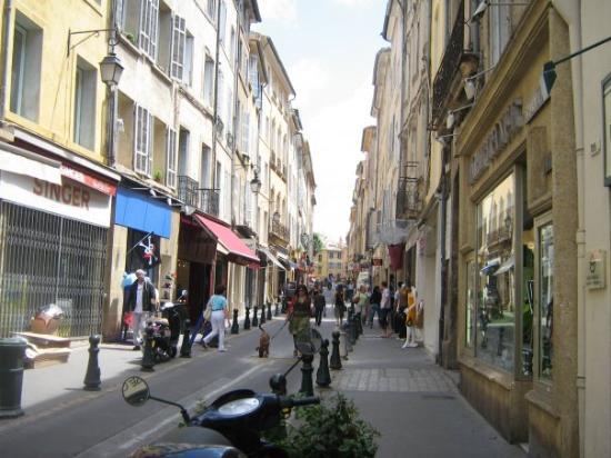แอ็ซซองโปรวองซ์, ฝรั่งเศส: une autre rue à visité