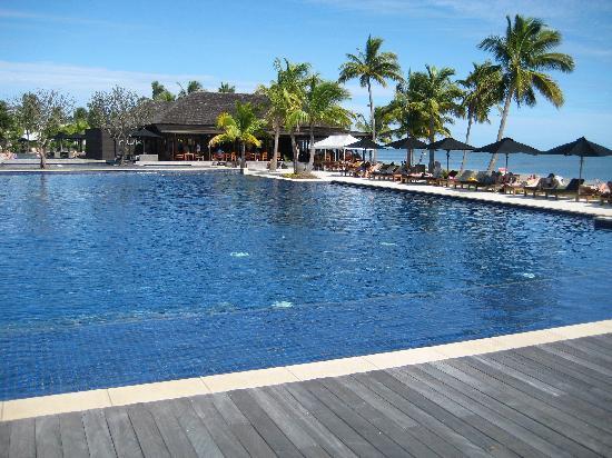 ฟิจิ บีช รีสอร์ท แอนด์ สปา แมเนจ บาย ฮิลตัน: One of the 7 pools