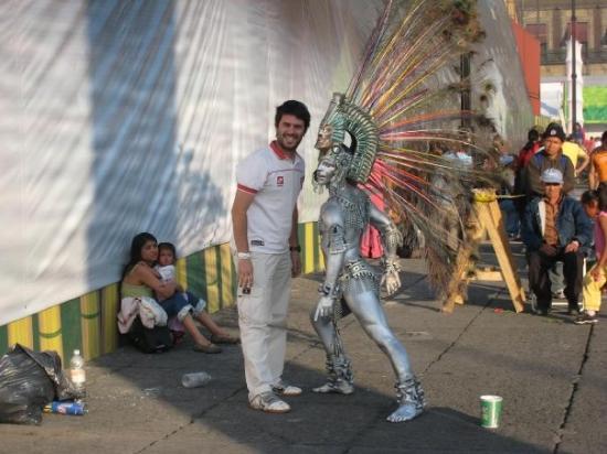 Azteca en el Zocalo -  DF