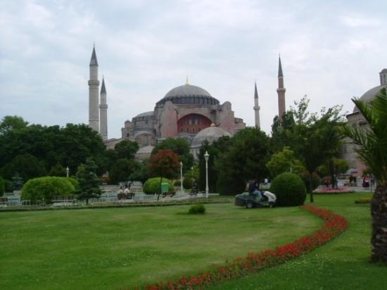พิพิธภัณฑ์ฮาเจียโซเฟีย: Catedral de Santa Sofia Estambul. Uno de los principales exponentes del arte bizantino, esta bas