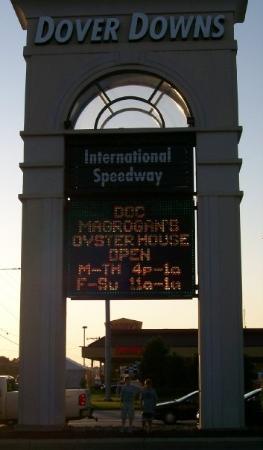 โดเวอร์, เดลาแวร์: Alex under the Dover Speedway sign