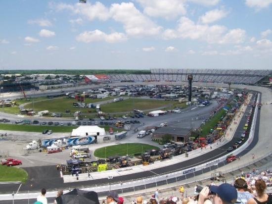 โดเวอร์, เดลาแวร์: view of track from top row of turn 4