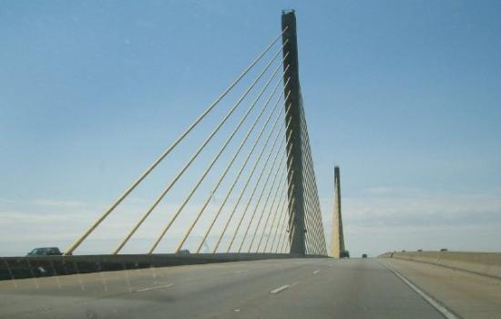 โดเวอร์, เดลาแวร์: Same bridge only during the day