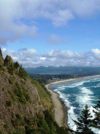 พอร์ตแลนด์, ออริกอน: Oregon Coast, south of Cannon Beach