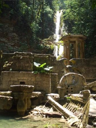 Xilitla, เม็กซิโก: CASTILLO SURREALISTA EDWARD JAMES