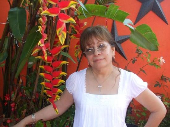 Xilitla, เม็กซิโก: MI MAMA.... CHEKENCE LA PLANTA PARECE SANDIA... Y DE CERQUITAS... TIENE PUNTIOS NEGROS COMO LAS