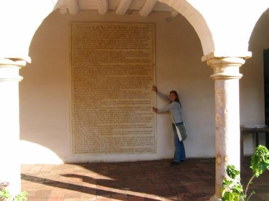 Villa de Leyva, โคลอมเบีย: Traduccion de los derechos del hombre del frances.