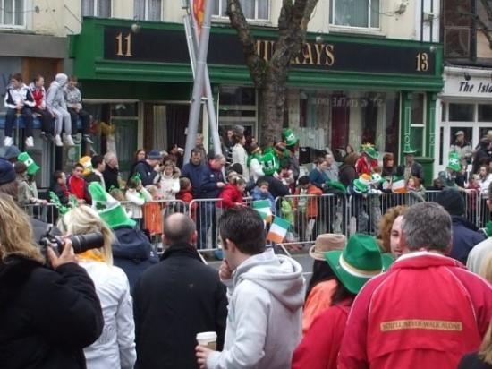 คอร์ก, ไอร์แลนด์: Les photos ne rendent pas compte de la foule. Ce n'est pas faute d'avoir essayé.